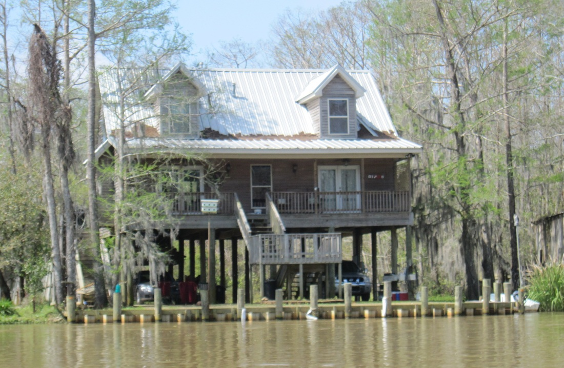 honey island house on stilts